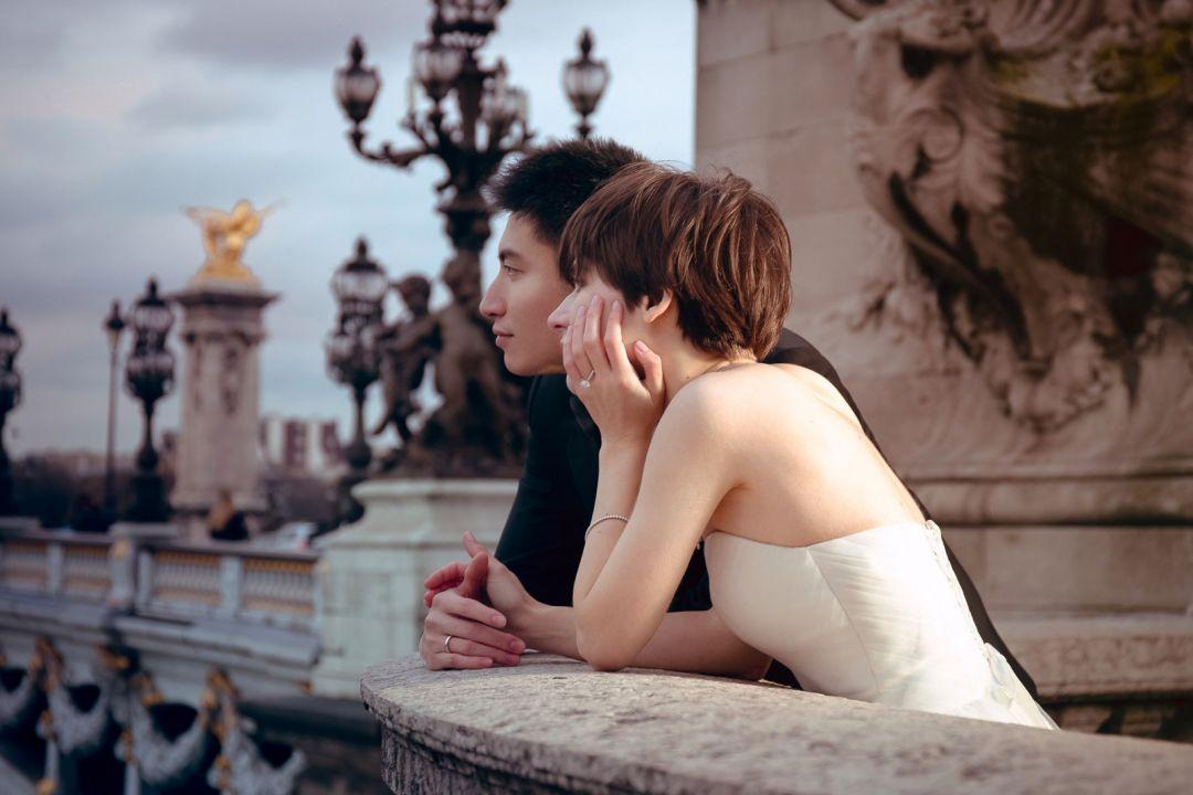 Modern engagement rings inspired by Hepburn's then-modern wedding stack