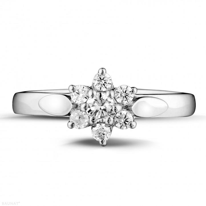 0.30 caraat diamanten bloemenring in platina