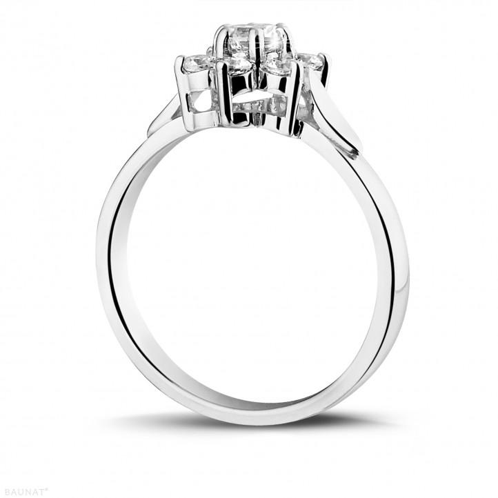 0.50 caraat diamanten bloemenring in platina