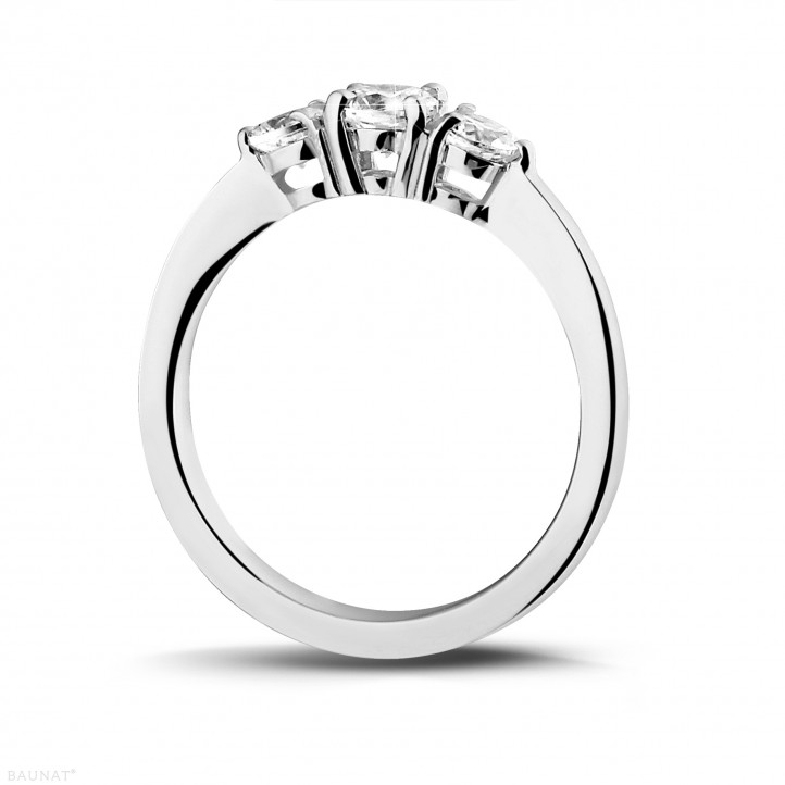 0.67 caraat trilogie ring in platina met ronde diamanten