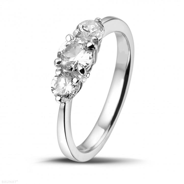 1.00 caraat trilogie ring in platina met ronde diamanten