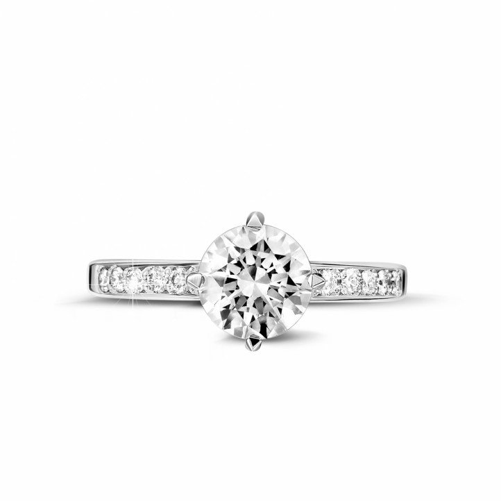 1.20 karaat diamanten solitaire ring in platina met zijdiamanten