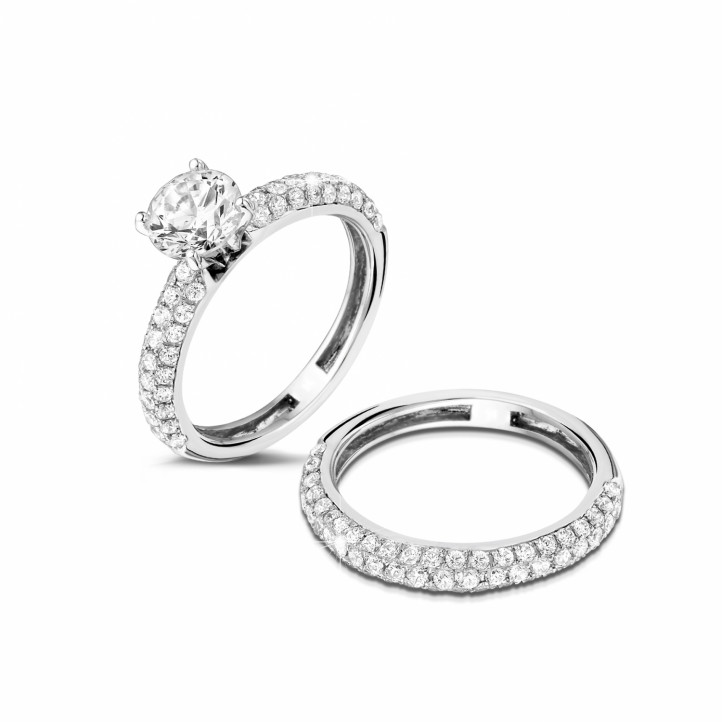 Set platina diamanten trouwring en verlovingsring met 1.20 caraat centrale diamant en kleine diamanten