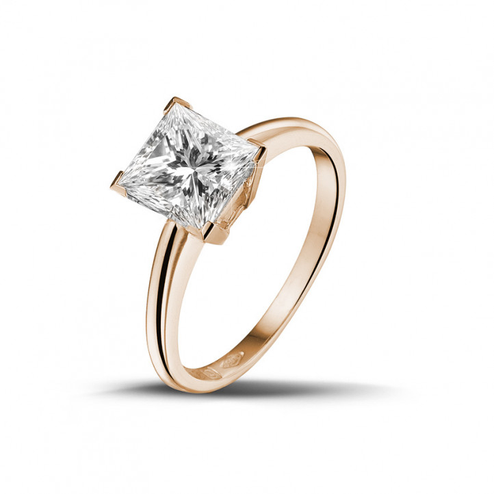 2.00 caraat solitaire ring in rood goud met princess diamant