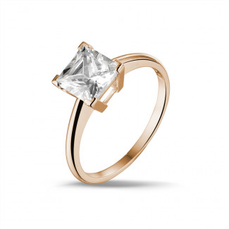 2.50 caraat solitaire ring in rood goud met princess diamant