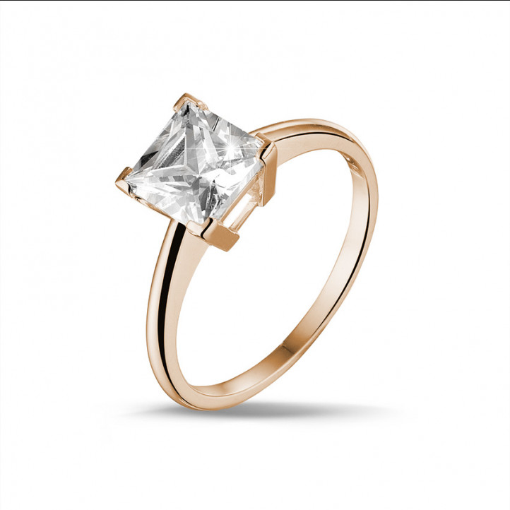 2.50 karaat solitaire ring in rood goud met princess diamant