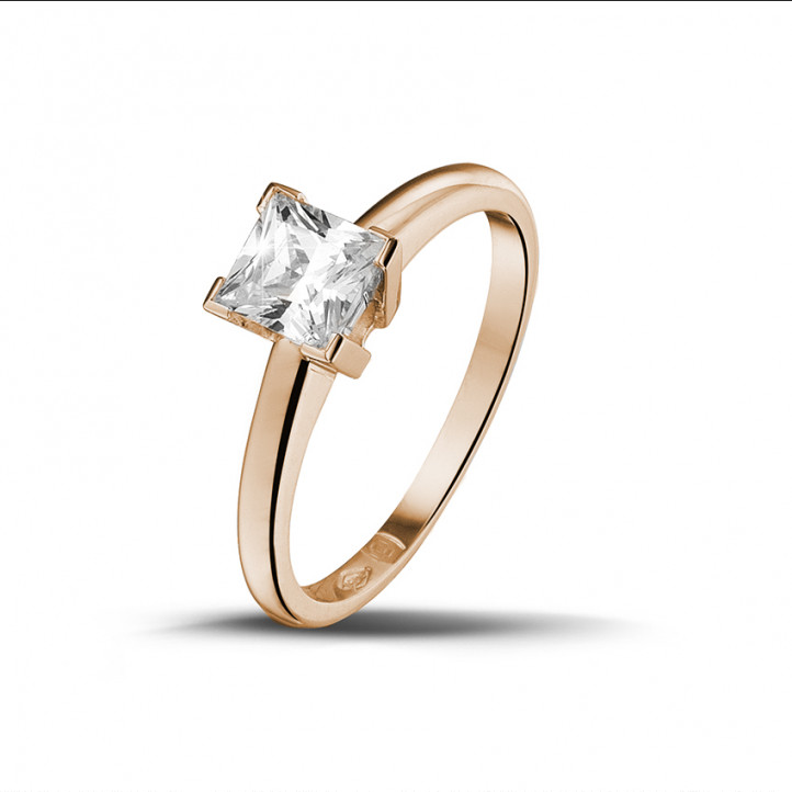 0.75 karaat solitaire ring in rood goud met princess diamant