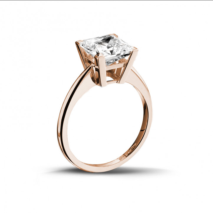 3.00 caraat solitaire ring in rood goud met princess diamant