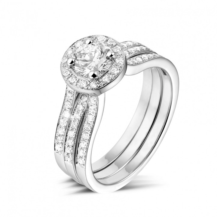 0.70 caraat diamanten solitaire ring in wit goud met zijdiamanten