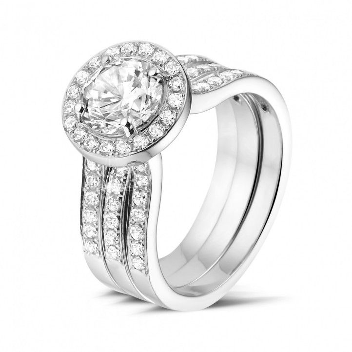 1.20 karaat diamanten solitaire ring in wit goud met zijdiamanten