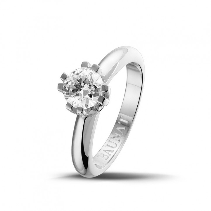 0.90 karaat diamanten solitaire design ring in platina met acht griffen