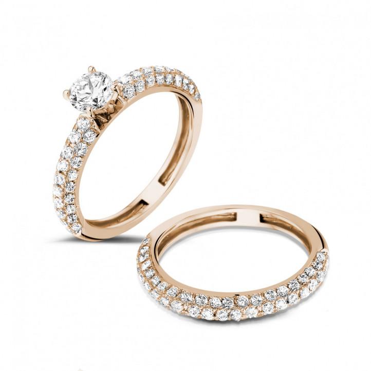 Set roodgouden diamanten trouwring en verlovingsring met 0.50 caraat centrale diamant en kleine diamanten