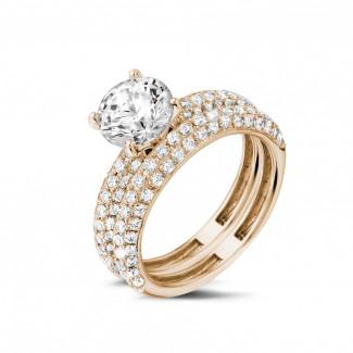 Set roodgouden diamanten trouwring en verlovingsring met 1.50 karaat centrale diamant en kleine diamanten