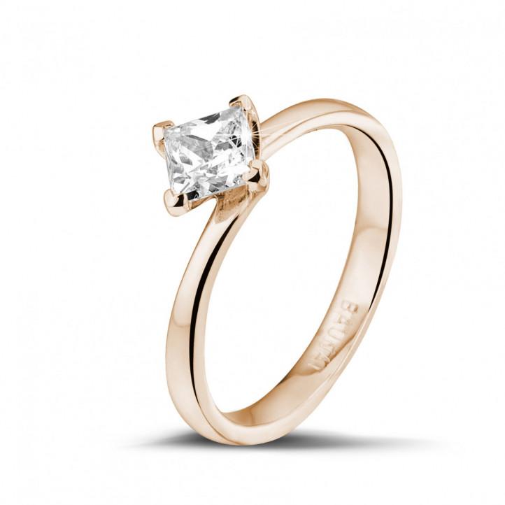 0.70 caraat solitaire ring in rood goud met princess diamant