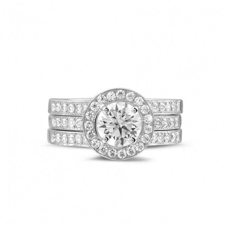 1.00 karaat diamanten solitaire ring in platina met zijdiamanten