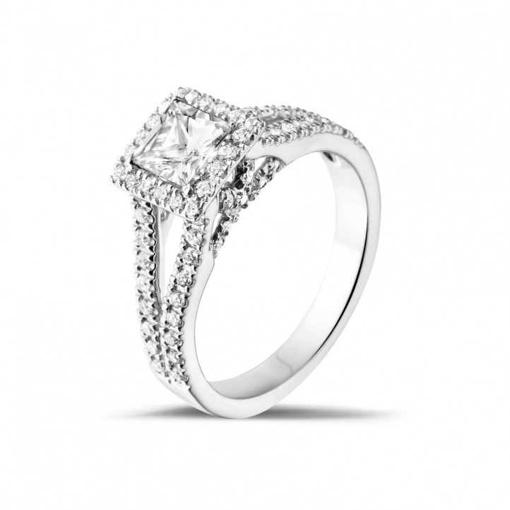 0.50 caraat solitaire ring in wit goud met princess diamant en zijdiamanten