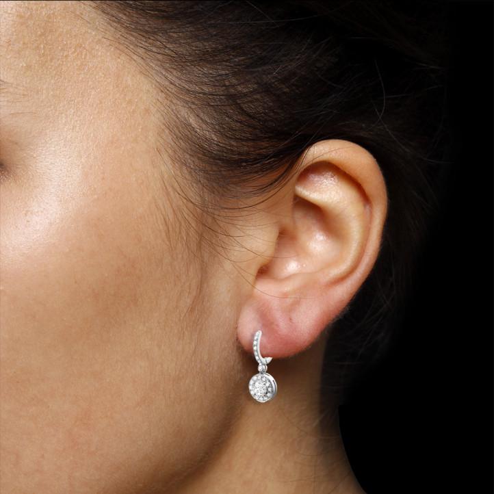 1.55 caraat diamanten halo oorbellen in wit goud
