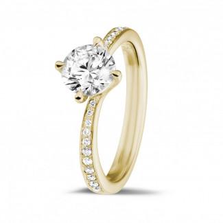 Verloving - 1.00 karaat diamanten solitaire ring in geel goud met zijdiamanten