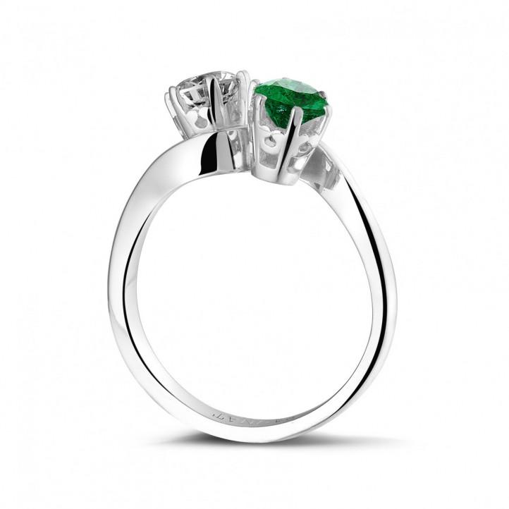 Toi et Moi ring in platina met ronde diamant en smaragd