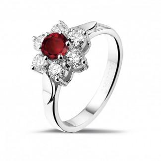 Platina Diamanten Ringen - Bloemenring in platina met ronde robijn en zijdiamanten