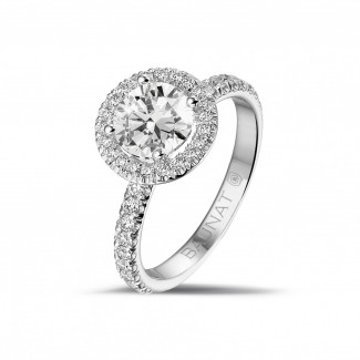 1.20 karaat halo solitaire ring in wit goud met ronde diamanten