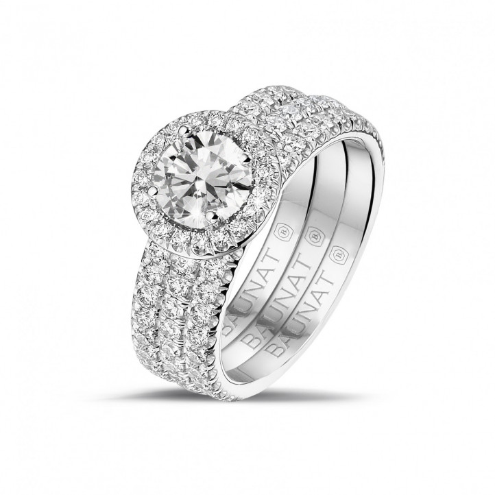 0.70 caraat halo solitaire ring in wit goud met ronde diamanten