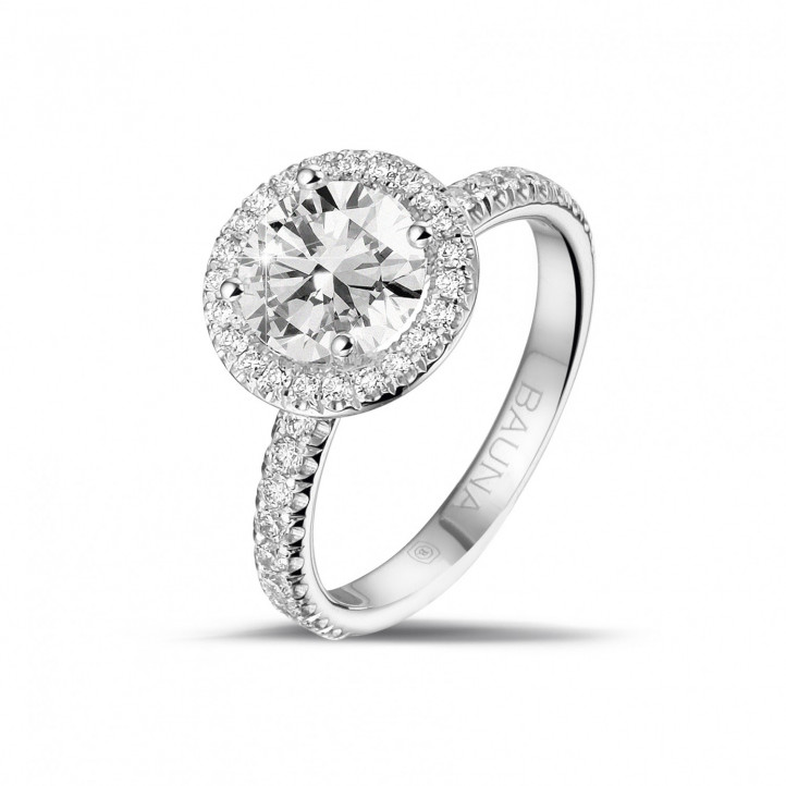 1.50 caraat halo solitaire ring in wit goud met ronde diamanten