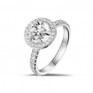 - 1.50 karaat Halo solitaire ring in platina met ronde diamanten