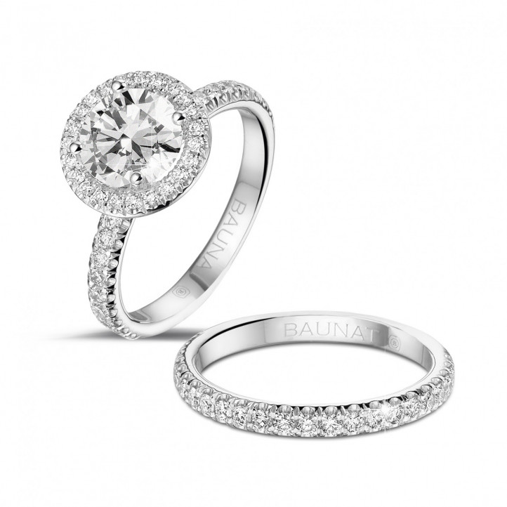 1.50 karaat Halo solitaire ring in platina met ronde diamanten