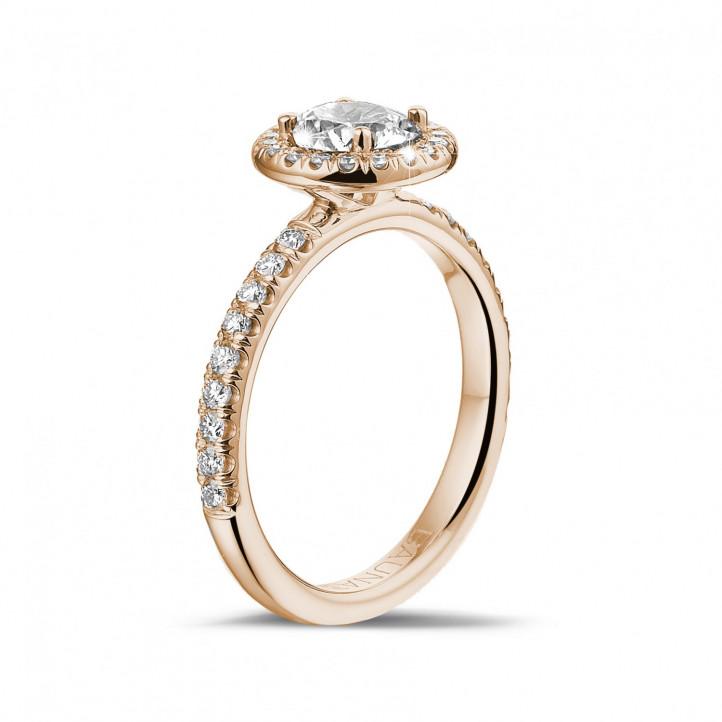 0.70 caraat Halo solitaire ring in rood goud met ronde diamanten