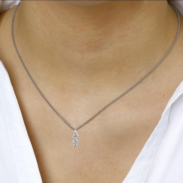 0.38 karaat trilogie diamanten hanger in wit goud