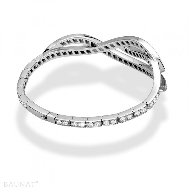 3.86 caraat diamanten design armband in platina