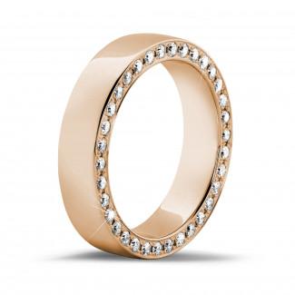 Ringen - 0.70 karaat brede alliance in rood goud met kleine ronde diamanten in zijkant