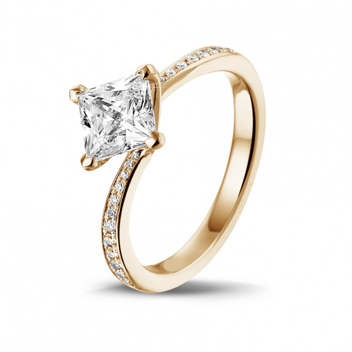 1.20 caraat solitaire ring in rood goud met princess diamant en zijdiamanten