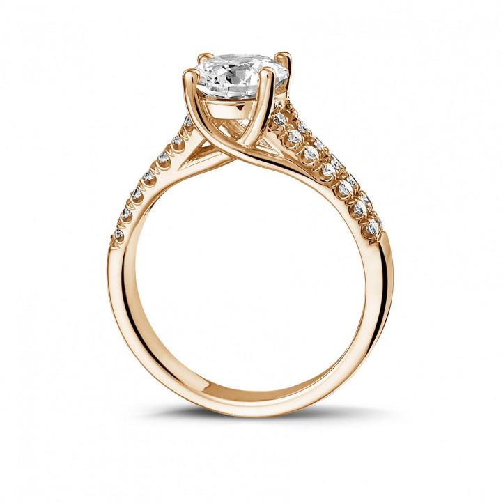 1.00 caraat solitaire ring in rood goud met zijdiamanten