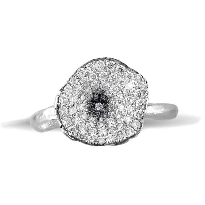 0.54 karaat diamanten design ring in platina