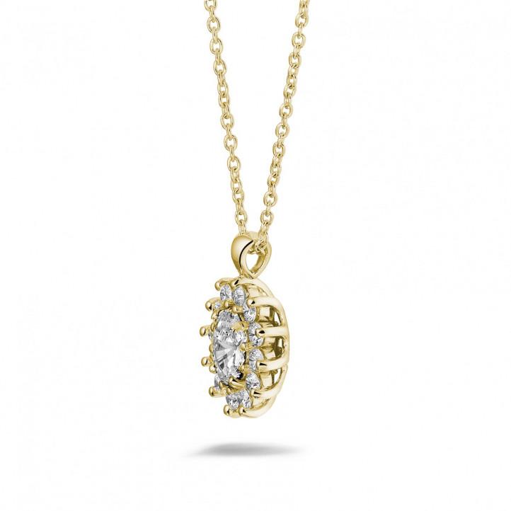 1.85 caraat entourage hanger in geel goud met ovale en ronde diamanten