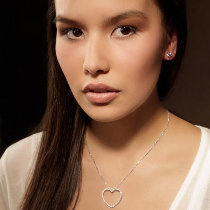 0.45 caraat diamanten hartvormige pendant in wit goud
