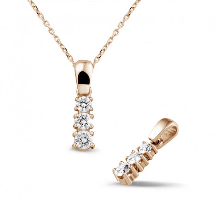 0.45 caraat trilogie diamanten hanger in rood goud
