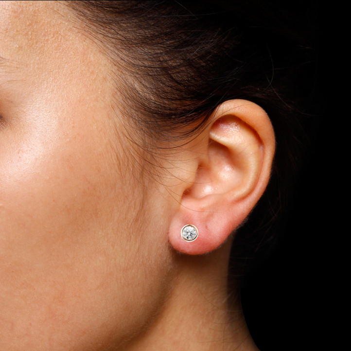 1.00 karaat diamanten satelliet oorbellen in rood goud