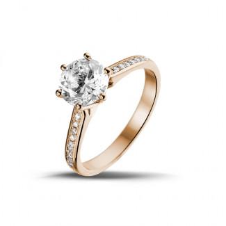 1.50 karaat diamanten solitaire ring in rood goud met zijdiamanten