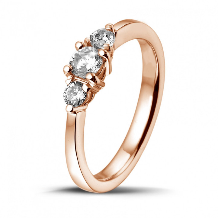 0.45 caraat trilogie ring in rood goud met ronde diamanten