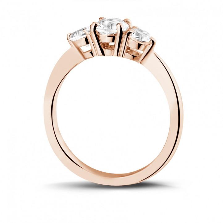 1.00 caraat trilogie ring in rood goud met ronde diamanten