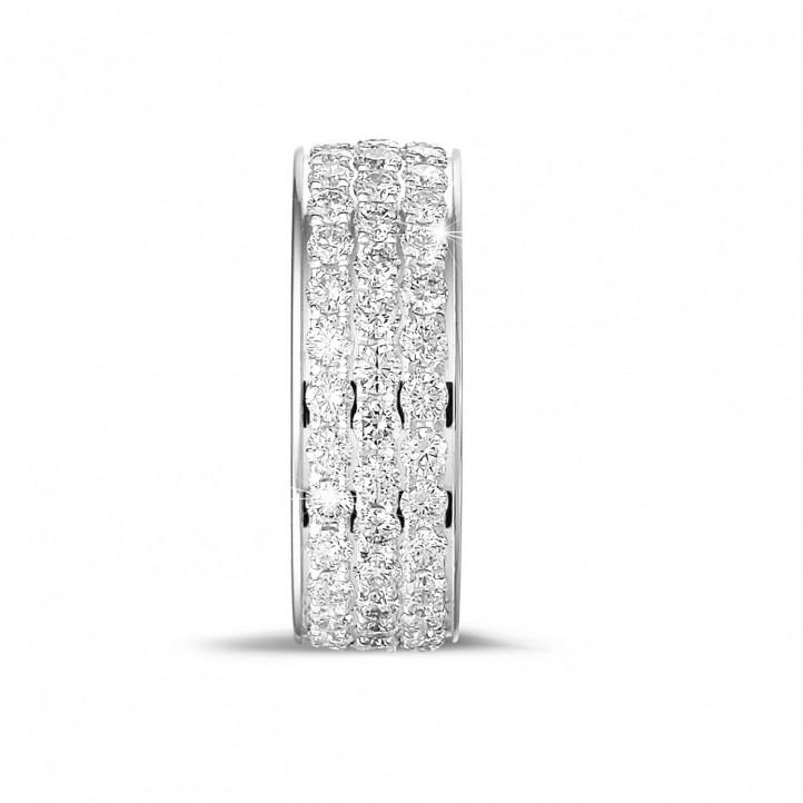 1.70 caraat alliance (volledig rondom gezet) in platina met drie rijen ronde diamanten