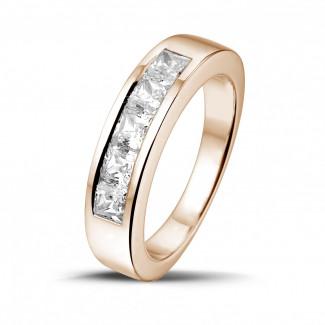 - 1.35 karaat roodgouden alliance met princess diamanten