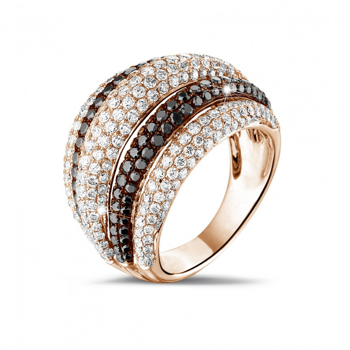 4.30 caraat ring in rood goud met witte en zwarte ronde diamanten