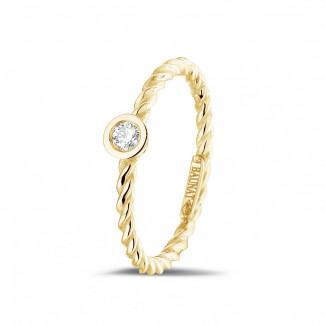 Geelgouden Diamanten Ringen - 0.07 caraat diamanten gedraaide combinatie ring in geel goud