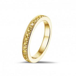 - 0.25 karaat alliance (half gezet) in geel goud met gele diamanten