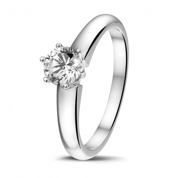 0.50 karaat diamanten solitaire ring in platina met zes griffen
