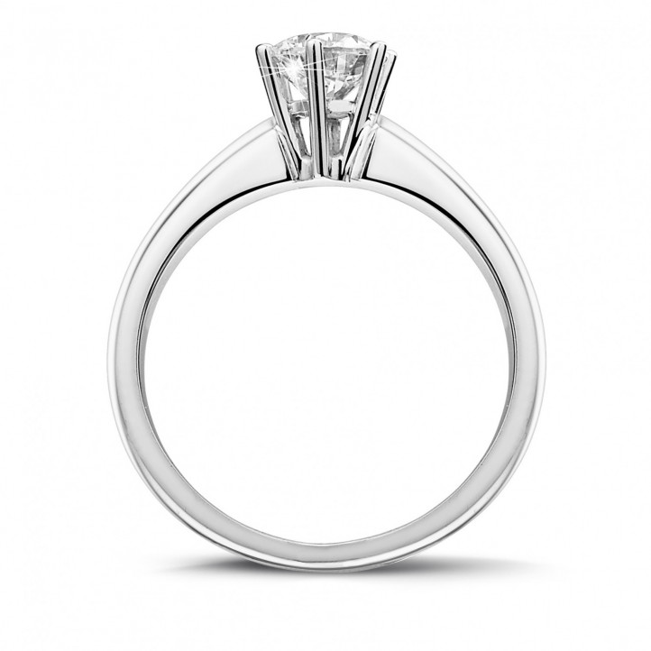 0.75 karaat diamanten solitaire ring in platina met zes griffen